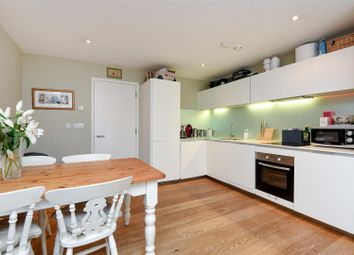 Thumbnail 2 bed flat to rent in Hardwicks Square, London