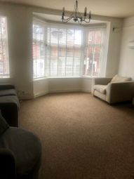 3 bed maisonette to rent in Westcotes Drive, Leicester LE3
