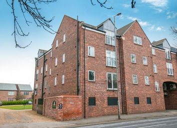 2 bed flat to rent in Regal Court, Manor Road, Beverley HU17