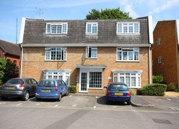 1 bed flat to rent in The Birches, Woking GU22