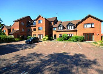 Thumbnail 2 bed flat to rent in Sadlers Court, Winnersh, Wokingham