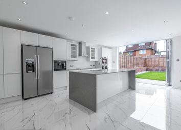4 bed end terrace house for sale in Crescent Rise, New Barnet, Barnet EN4