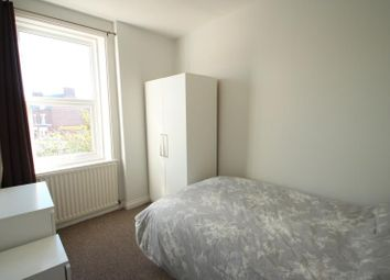 Thumbnail Room to rent in Fifth Avenue, Heaton, Newcastle Upon Tyne