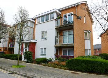 2 bed flat to rent in Erebus Drive, Thamesmead SE28