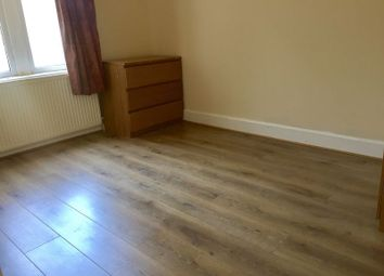 Thumbnail 1 bed property to rent in Dunlace Road, London