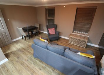2 bed flat to rent in Park Place, Manchester M4