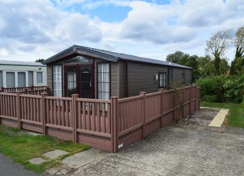 Thumbnail 2 bed mobile/park home for sale in Station Road, Cogenhoe, Northampton