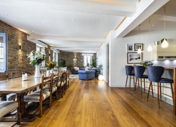 Thumbnail 3 bed flat to rent in Gulliver's Wharf, Wapping