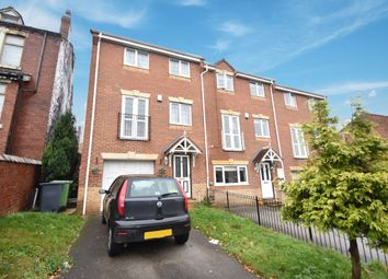 Thumbnail 3 bed town house for sale in Apple Tree Lane, Kippax, Leeds