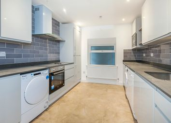 4 bed flat to rent in Camden Park Road, London NW1