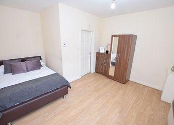 Thumbnail 1 bed flat to rent in Windmill Hill, Halesowen, Birmingham