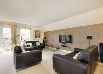 Thumbnail 3 bedroom flat for sale in 44, Folkwood Grove, Bents Green