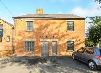 Thumbnail 2 bedroom flat to rent in High Street, Waddesdon