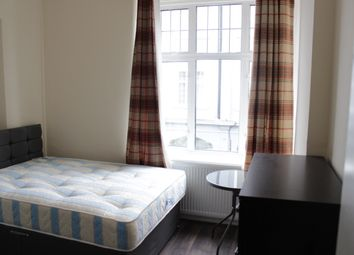 Thumbnail 8 bed flat to rent in Brent Street, London