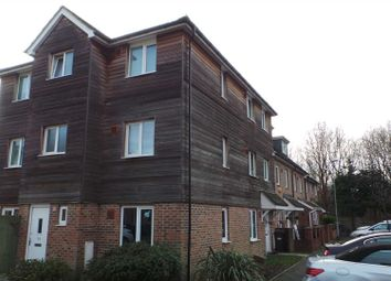 Thumbnail 4 bed detached house to rent in Blackburn Way, Hounslow