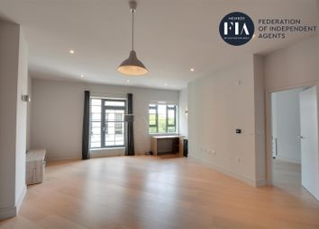 Thumbnail 1 bed flat to rent in Market Building, Market Place, Brentford