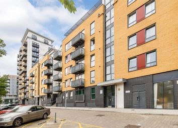 2 bed flat to rent in Tarves Way, Greenwich SE10