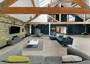 Thumbnail 2 bed property to rent in Metropolitan Wharf, Wapping, London