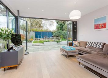 Thumbnail 3 bed flat to rent in Savernake Road, Belsize Park, London