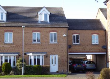 Thumbnail 4 bed town house for sale in Swinderby Close, Newark