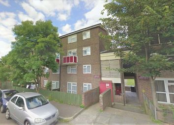 3 bed maisonette to rent in Warwick Place, Northfleet, Gravesend, Kent DA11