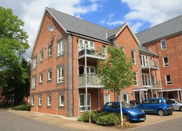 Thumbnail 2 bedroom flat for sale in Newlands Way, Cholsey, Wallingford