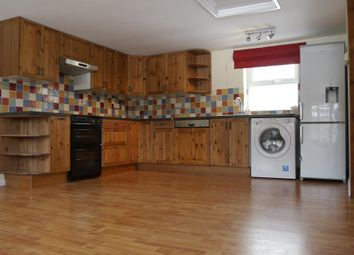 Thumbnail 1 bed flat to rent in Bucklebury, West Berkshire