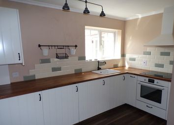 Thumbnail 1 bed flat to rent in New Street, Lymington