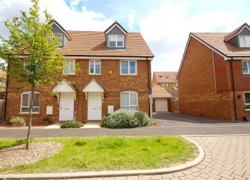 Thumbnail 4 bed town house for sale in Raven Road, Didcot
