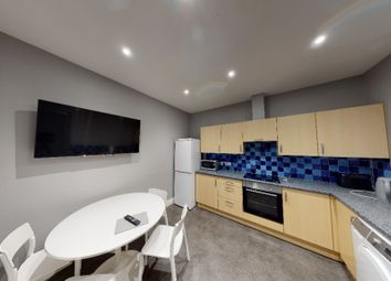2 bed flat to rent in Union Street, City Centre, Aberdeen AB11