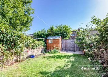 2 bed maisonette for sale in Brownlow Road, Finchley, London N3