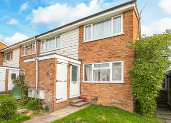 Copperfield, Chigwell, Essex IG7. 2 bed flat