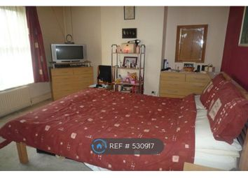 Thumbnail 5 bed terraced house to rent in Queen Street, Bedford