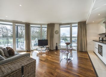 Thumbnail 1 bed flat to rent in 376 Queenstown Road, London