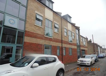 Thumbnail 1 bedroom flat to rent in Stockwell Street, Cambridge