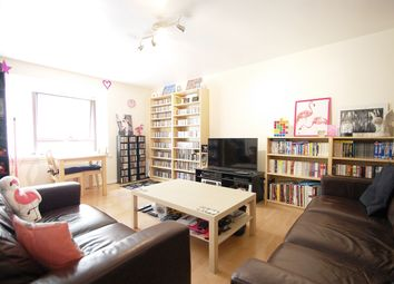 Thumbnail 2 bed flat to rent in Chivalry Road, Battersea