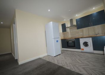 2 bed flat to rent in Narborough Road, Leicester LE3