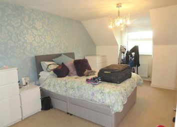 Thumbnail 1 bed flat to rent in Woodfield Lodge, Woodfield Road, Crawley