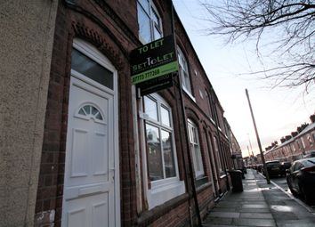 Thumbnail 1 bed flat to rent in Avenue Road Extention, Queens Road, Clarendon Park Road, Leicester