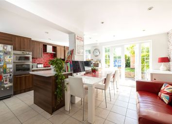 3 bed property for sale in High Road, Whetstone N20