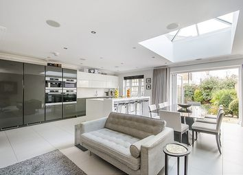 Thumbnail 6 bed end terrace house to rent in 1 Drury Close, London