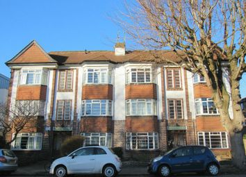 Thumbnail 2 bed flat to rent in Somerhill Road, Hove