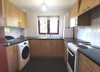 Thumbnail 1 bed flat to rent in Dock Road, Grays