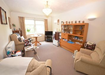 Thumbnail 2 bed property to rent in Claremont Road, Seaford