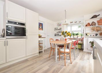 3 bed detached house for sale in Farm Drive, Petersfield, Hampshire GU31