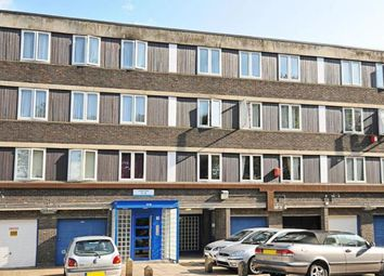 3 bed maisonette to rent in Laxley Close, Camberwell, London SE5