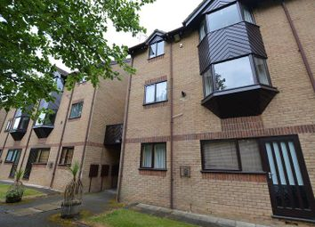 Thumbnail 1 bedroom flat to rent in Hawkshill, St Albans