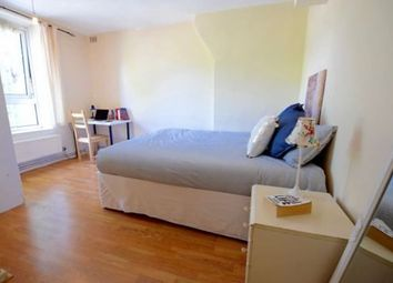 3 bed shared accommodation to rent in Cahir Street, London E14