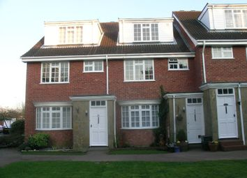 2 bed maisonette to rent in Redheath Close, Watford WD25