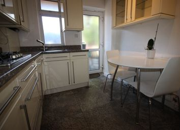 Thumbnail 3 bed flat to rent in Market Place, London